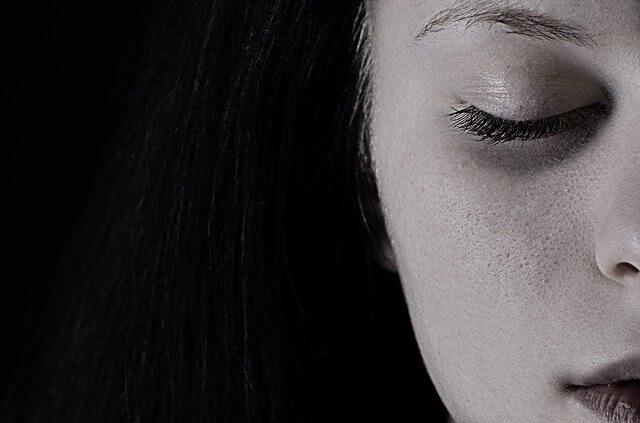 ニキビのない女性の肌