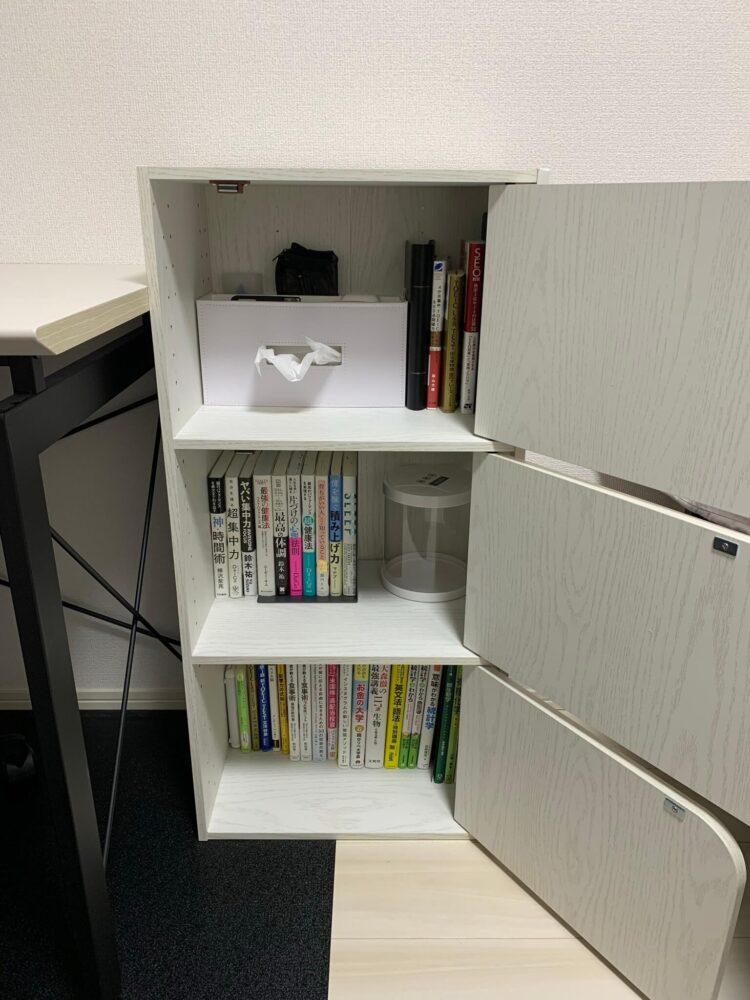 ニトリの本棚の