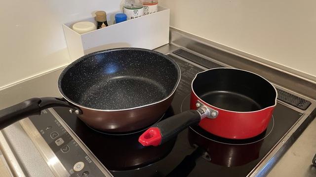 片手鍋と深型フライパン