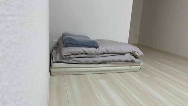 マットレスと枕と布団