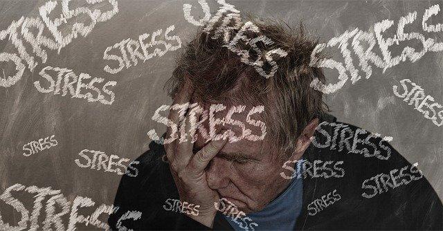 ストレスを抱えた男性